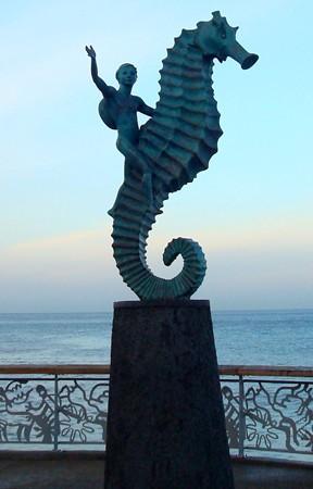 Sea horse sculpture n Malecon